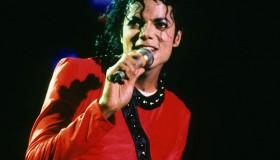michael-jackson-1987-zoom-25c9609e-0c9e-4e71-a6df-dd69918ac075